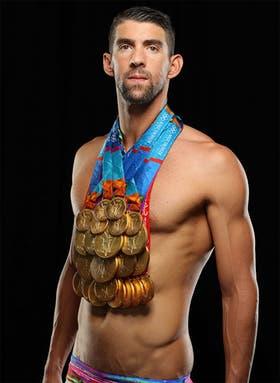 Phelps posa con todas sus medallas