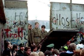 Tras la caída del Muro de Berlín, en noviembre de 1989, Alemania Oriental y Occidental se reunificaron el 3 de octubre de 1990