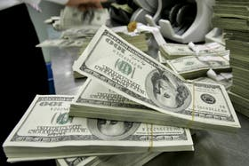 El dólar blue mantiene su nuevo récord histórico y cotiza a $11,21