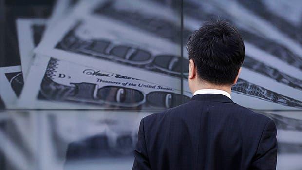 El dólar paralelo retrocedió cinco centavos
