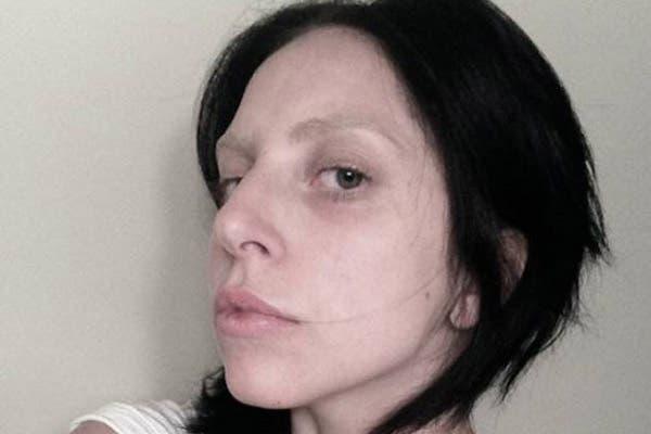 La cantante, lejos de los prejuicios, eligió mostrarse en su sitio sin maquillaje