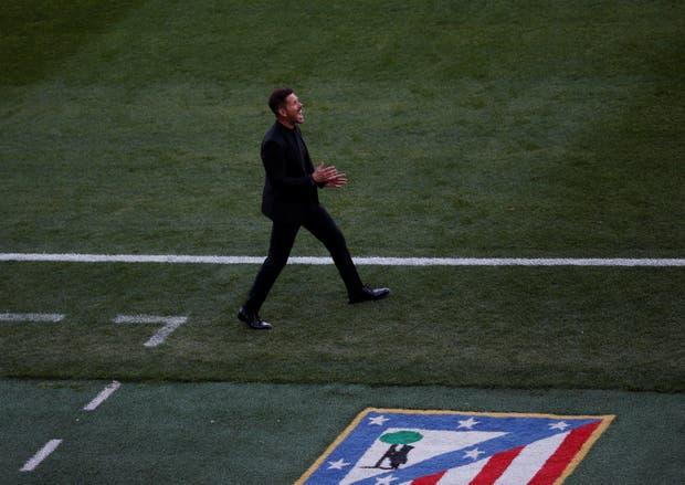 Enérgico, como siempre al borde del campo, Simeone siente que Aleti llega bien al final de la temporada