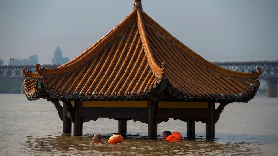 Decenas de personas murieron y varias están desaparecidas debido a las fuertes lluvias