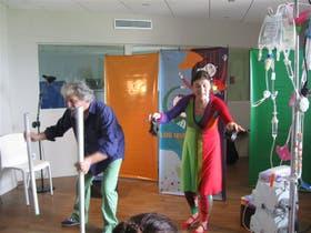 Calvo y Usandivaras, divertir a quienes más sufren