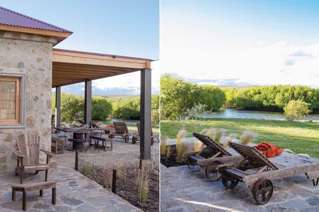 La terraza principal da hacia el río. Por eso, allí se colocaron las reposeras de madera de lapacho..