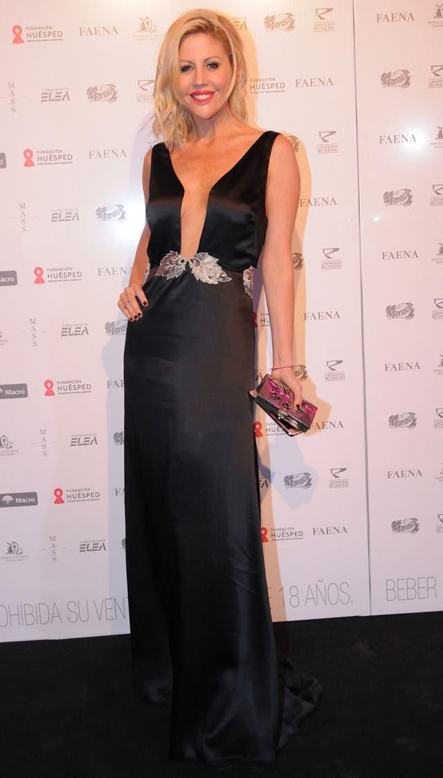 Barbie Simons, con un look muy elegante, en negro y detalles en plata
