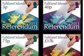 Estampillas que promocionan el referéndum en Malvinas del próximo domingo