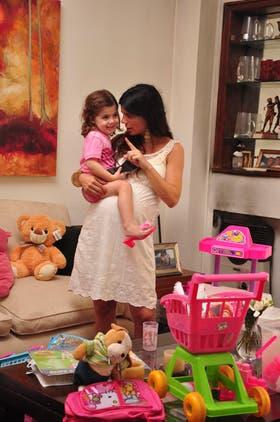 María Lang y su pequeño Dimas; ''Es difícil manejar la culpa''