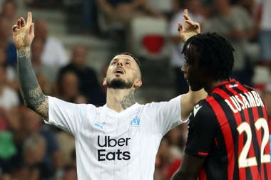 El agradecimiento de Benedetto, que con Nantes falló un penal y provocó el enojo del técnico Villas-Boas.