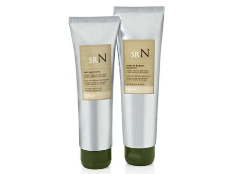 Natura: Crema de afeitar espumante, 100 ml; bálsamo para después de afeitar, 100 ml; bolsa de regalo; $ 55. Foto: lanacion.com