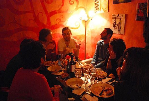 Restaurantes secretos 7 lugares para comer como en casa for Los restaurantes mas clandestinos y secretos de barcelona