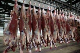 Argentina exporta menos carne que Paraguay