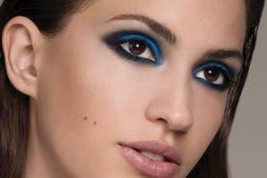 Ojos: como el mar, en azul