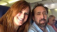 Nicolas Cage y la siempre peligrosa selfie en el avión