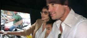 Jolie, Pitt y su hijo Maddox: la familia unida de paseo por la India