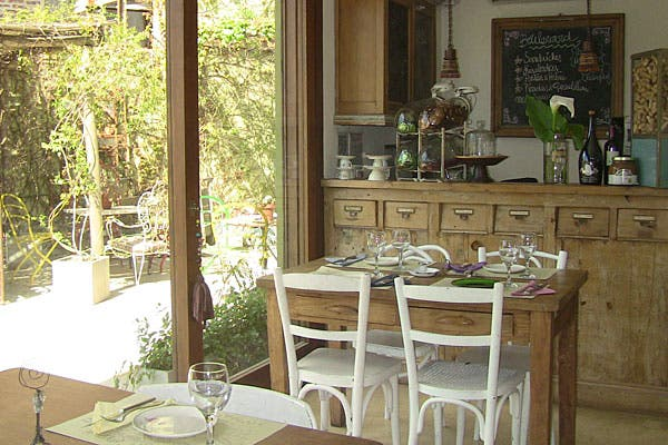 Uno de los espacios para disfrutar de la rica comida. Foto: Cecilia Wall