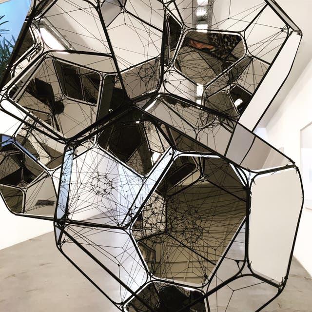 Detalle de una obra de la serie Ciudades Nube