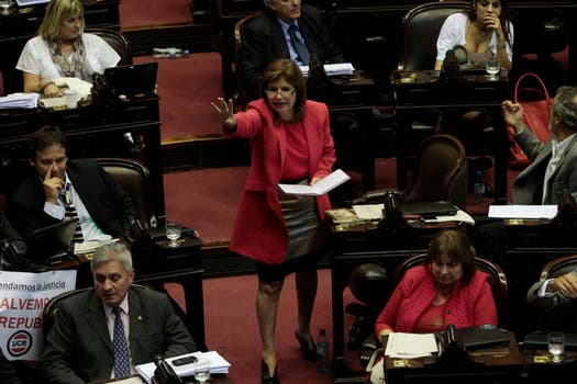 Patricai Bullrich luego del escándalo se retiró del recinto. Foto: LA NACION / Aníbal Greco