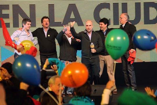 El búnker se llenó de euforia con los resultados del ballottage, que le permitieron a Macri renovar su gestión en la ciudad. Foto: Télam