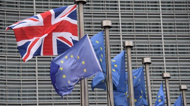 Londres y Bruselan avanzan en la negociación de las condiciones del Brexit