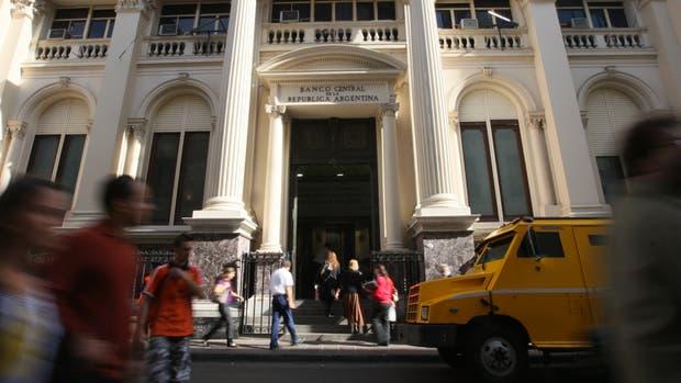 La iniciativa de la UIF se discutió en el Banco Central