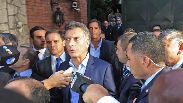 Macri, a la salida de Olivos, cuando atendió a la prensa por escasos minutos