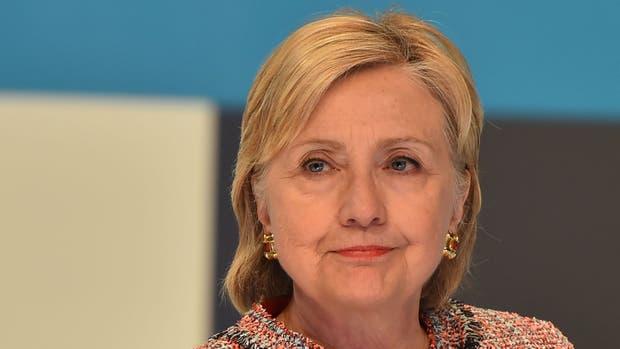 Hillary Clinton se presentó ante el FBI por el escándalo de los emails