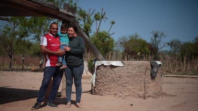 María Magdalena Luna y Matias Villalba fueron de los primeros tener una cisterna en la etapa de capacitación del programa de Sed Cero