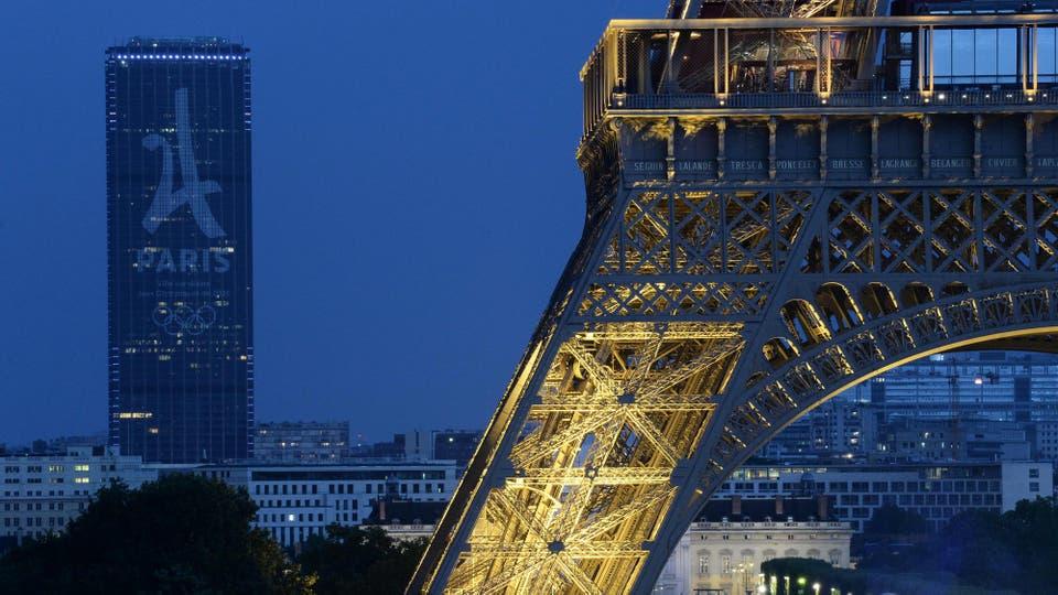 París festeja la realización de los Juegos Olímpicos 2024 en Francia. Foto: AFP / Jean Sebastien Evrard