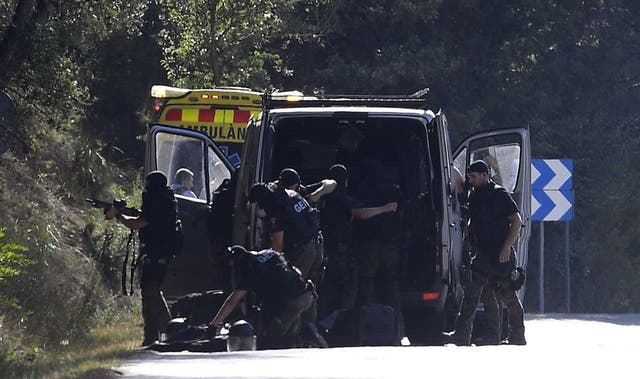 Ministros de España y Francia rinden homenaje a víctimas de atentados