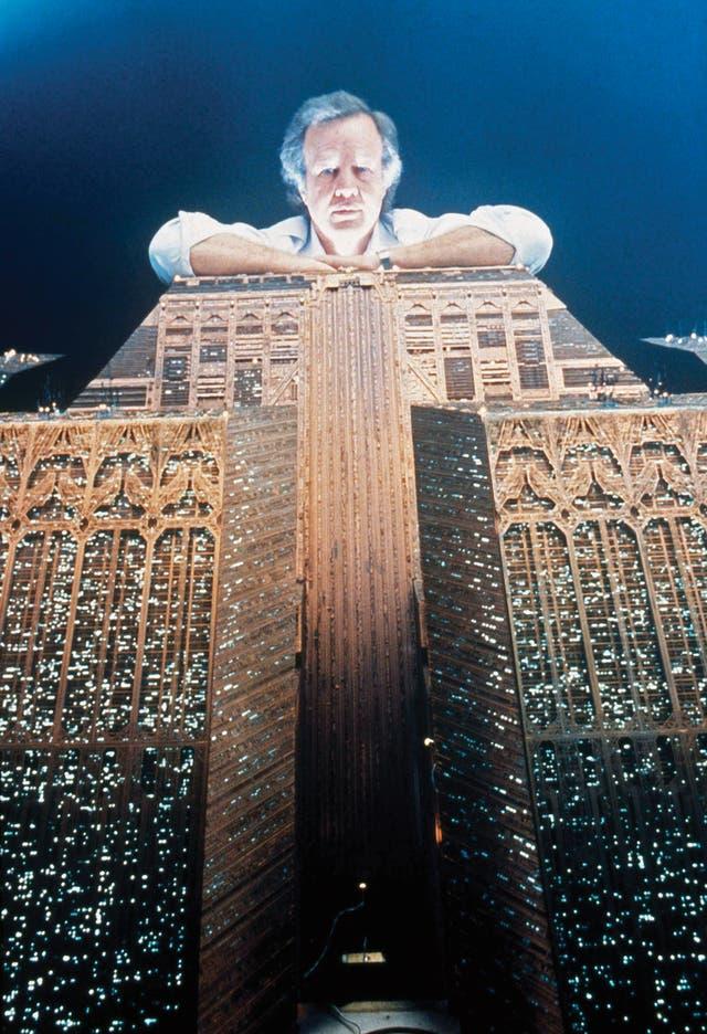 En 1982,Ridley Scott y los guionistas tomaron algunas decisiones polémicas para los puristas de la novela