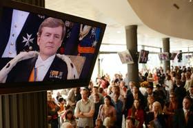 El nuevo rey de Holanda, en las pantallas del Hipódromo Argentino