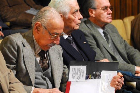 Junto a Menéndez durante el juiciio por la UP1, en julio de 2010. Foto: Archivo