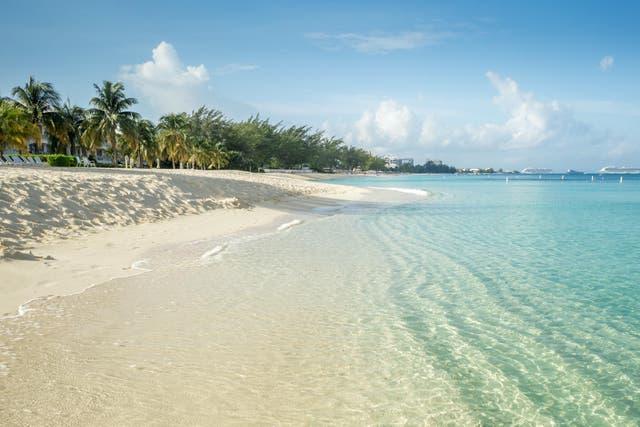 Seven Mile Beach, Caiman