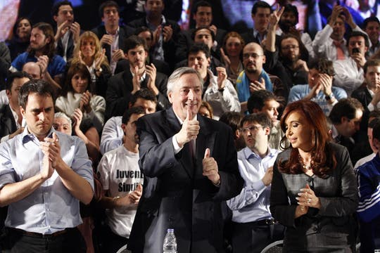 Néstor Kirchner durante el acto en el Luna Park, dos días después de salir de la clínica en la que estuvo internado tras realizarse una angioplastía, 14 de septiembre de 2010. Foto: LA NACION