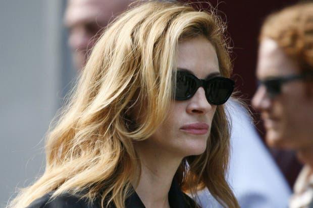 La media hermana de Julia Roberts la culpa de su decisión de quitarse la vida en una carta de despedida