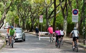 Muchos vecinos de San Isidro ya disfrutan del paseo para bicicletas de la zona del Bajo