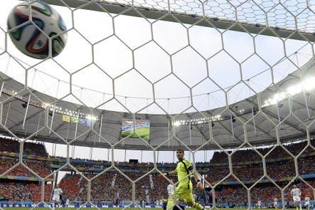 La otra cara del Mundial: problemas financieros obligan a vender estadios de Brasil 2014