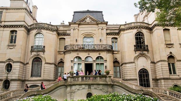 La escalera que da al gran parque, en forma de herradura, uno de los gustos que se dio Pereda al construir la mansión
