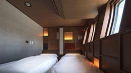 Puedes dormir a bordo del tren entre una y tres noches.