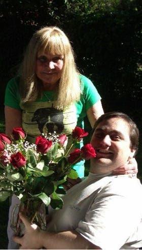 Juan Pablo y su mamá, luego de que ella le donará uno de sus riñones