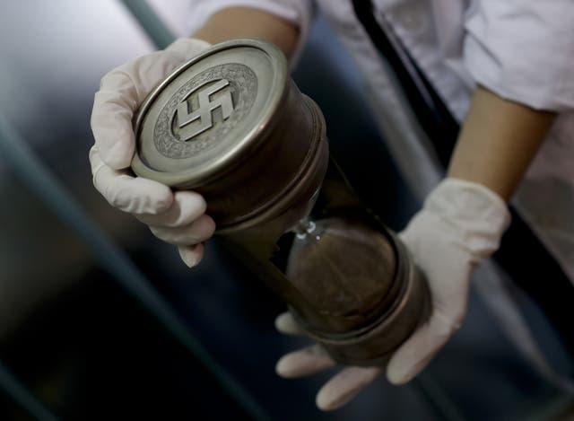 Argentina: Encuentran la mayor colección oculta de objetos nazis