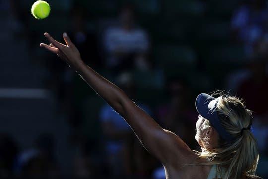 Sharapova, el centro de las miradas, ya está en semifinales. Foto: AFP