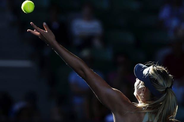 Sharapova, el centro de las miradas, ya está en semifinales.  Foto:AFP