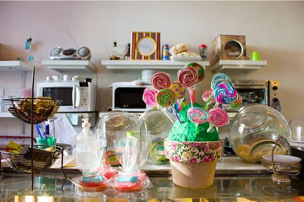 Golosinas, sandwiches y cosas dulces para comer mientras los chicos juegan. Foto: Gentileza Agustina Ferreri