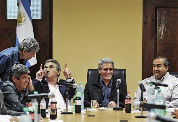 El triunvirato de mando y Pablo Moyano, que podría dejar la CGT