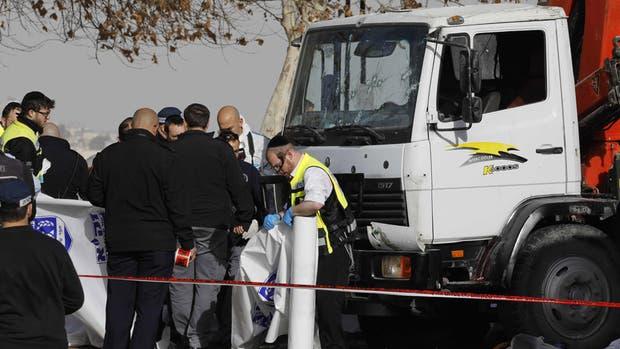 Video: el momento en que el camión atropella a los soldados en Jerusalén