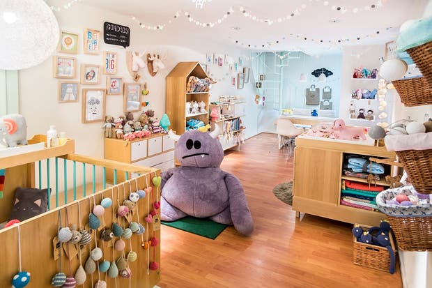 Recorrido showrooms y multimarcas con onda para los for Booh muebles