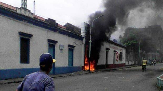 Nueva jornada de protestas deja dos muertos en el estado de Táchira