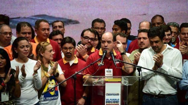 La oposición ha pedido a los inversores que no presten dinero a Venezuela